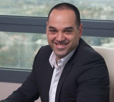 שרון פלאצ׳י, מנכ״ל ומנהל עסקים ראשי